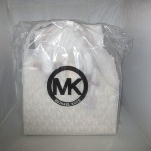 Michael Kors Bags - Michael Kors LG. Hamilton N /S PVC Signature Tote